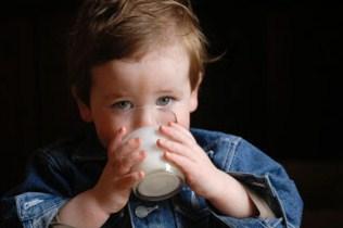 langkah mengatasi alergi susu sapi anak bayi
